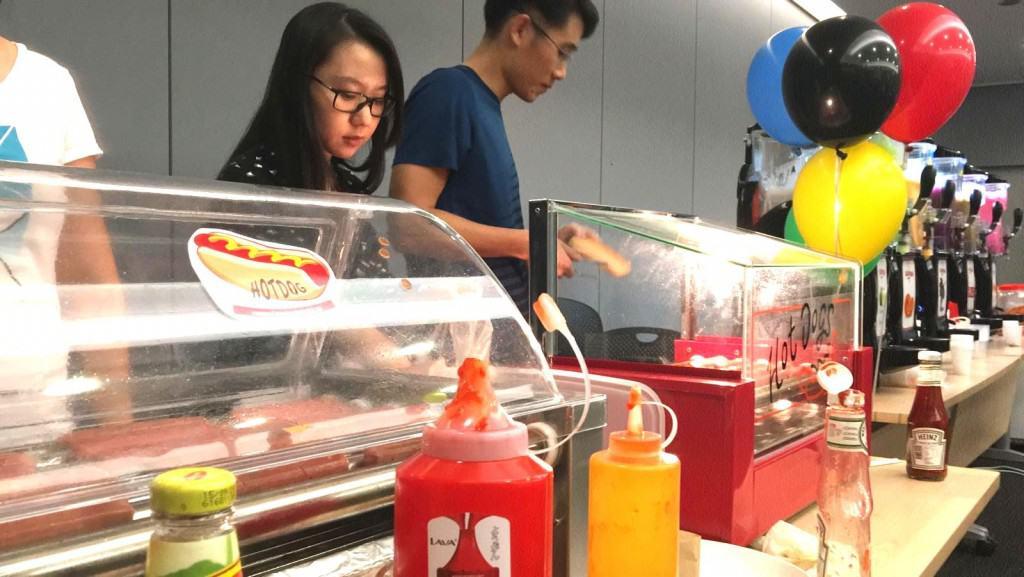 hotdog-machine-for-rent-singapore