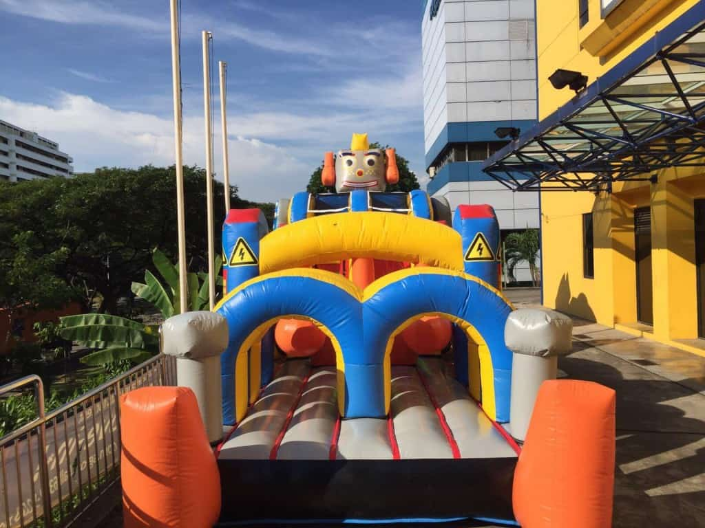 large-bouning-castle-for-rent