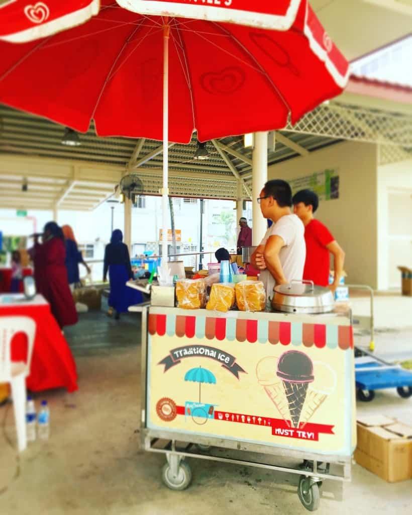 traditional-ice-cream-cart-rental